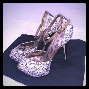 NEW/NEVER WORN Sam Edelman platform leopard heels